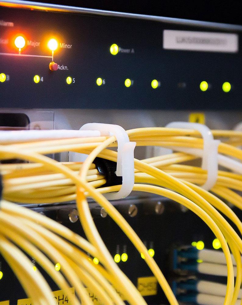 branchements réseau informatique